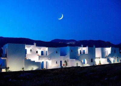 Karkisia Hotel by night